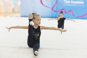 Занятия художественной гимнастикой